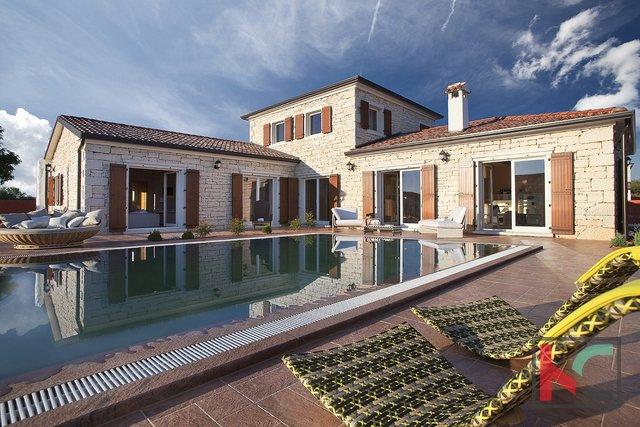 Svetvinčenat, Villa 220m2 house with pool  garden 1600m2