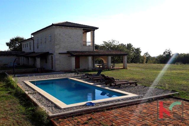 Poreč, Baderna luksuzna Villa 268m2, na velikoj okućnici 5625m2 I pogled more
