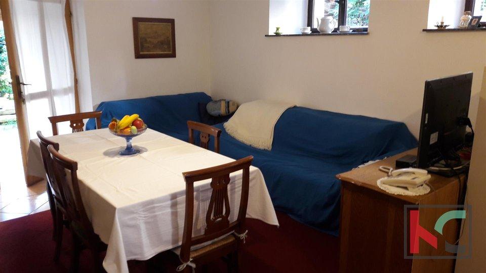 Pula, Austrougarska Vila 510 m2 na okućnici 617m2