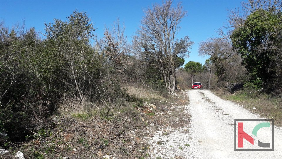 Rovinj, 3578m2 building plot, M1 purposes with a view of the sea
