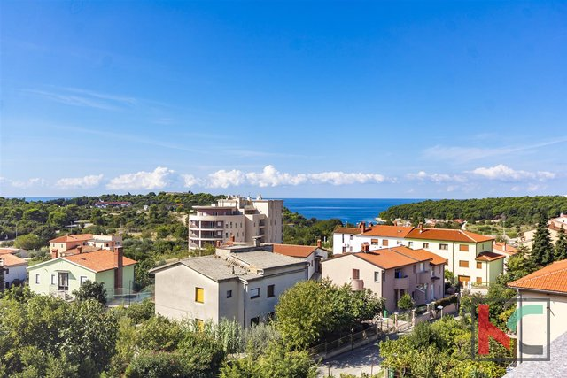 Pula, Veruda detached house with two apartments 350m2 and sea views