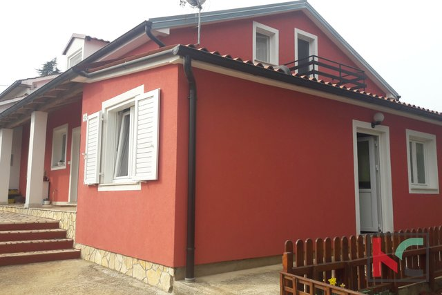 Rovinj, Rovinjsko Selo, house with two apartments and garden 484m2