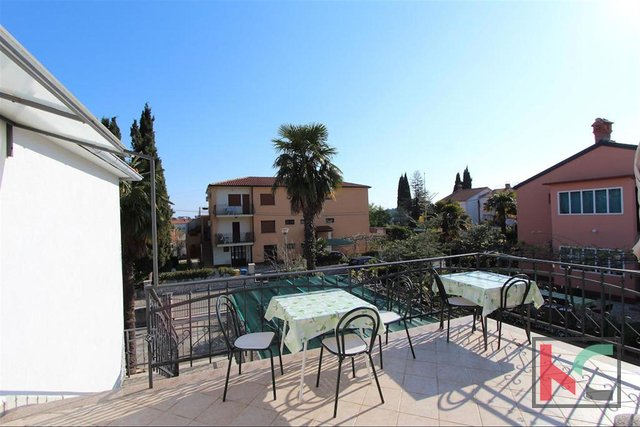 Rovinj, detached house with three apartments 350m2, quiet location