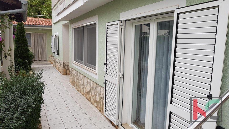 Pula, Pješčana Uvala apartment house 7 apartments with sea view